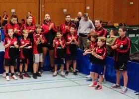 heimspiel-3-dezember-2016 Einlauf 1. Herren mit Schülern