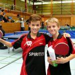 2017-10-07 Jugend-Bezirksmeisterschaften in der Halle Nord (38) Luca Pollich und Jonathan Fuchs