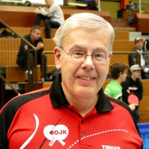 2017-10-07 Jugend-Bezirksmeisterschaften in der Halle Nord (65) Karlheinz Ehrlich